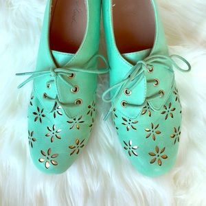 ModCloth Solar Powerful Heel in Mint Retro Vintage
